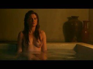Lucy lawless и viva bianca мокри и топлес