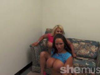 Nikki jackson és megan avalon játék együtt