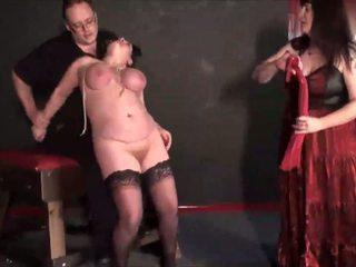 成熟 女同志 slavegirls 奇異的 punishment