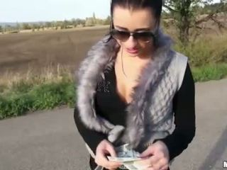 Amateur tramp asshole reamed for money