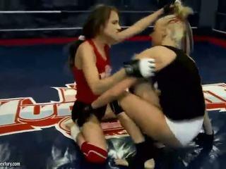 Sexy euroepan girls fighting