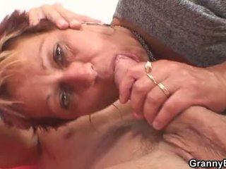 彼 fucks 彼女の パイパン 古い プッシー