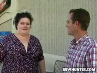 Mature Fatty Amnita Gives Oral