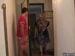 grand-mère, mamie, mature, vieux chat