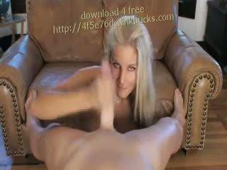 Nikki Jayne Sexy Blowjob