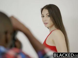 Blacked teen alexis rodriguez mit perfekt arsch loves bbc