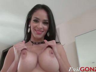 Caldi latina jasmine caro gets suo tender fica pounded