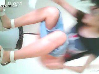 중국의 소녀 가기 에 toilet.10