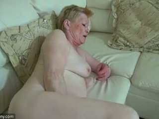 Oldnanny mesum old mbah with cute prawan masturbate together