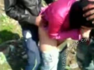 Arab seks dalam hijab outdoors-asw922
