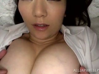 Spicy thai female has en munnfull etter clam thrashing