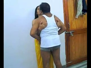 Hinduskie para enjoying romantic