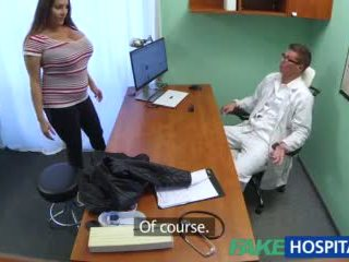 Fakehospital babe wants doctorã¢â€â™s sperma alle over haar groot reusachtig tieten video-