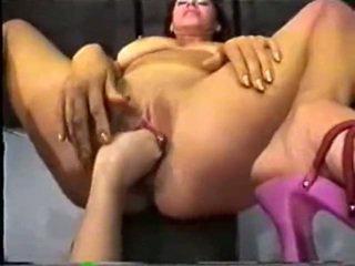 Abbraxa fist & pee
