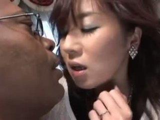 日本语 视频 651 妻子 和 黑色 公鸡 3p