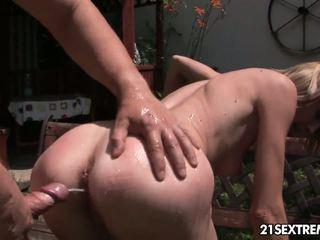 Pee 為 petting
