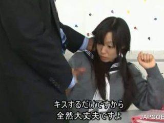 Japán diáklány gave faszverés