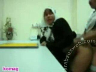 Jilbab aziýaly şahsy başlangyç sikiş video