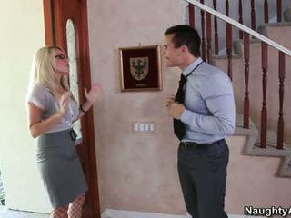 Príťažlivé nahé blondýna veľký breasted has sex