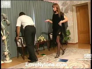 Diana と lesley videotaped whilst having nylonsex