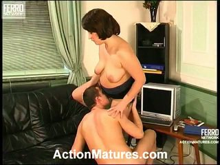 Juliana e donald eccentrico mamma dentro azione