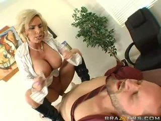 Barmfager milf getting henne fitte pounded hardt
