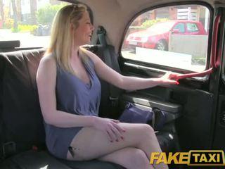 Faketaxi dreckig britisch cougar ist glücklich bis fick die london taxi driver