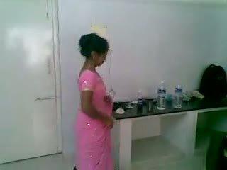 Yo 5 india monada y tímida newly casada