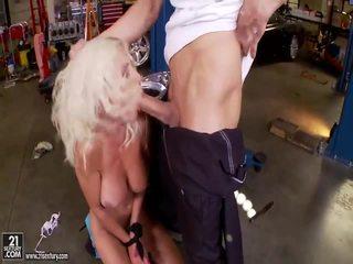 ضخم ألماني الثدي فتاة getting شاق مارس الجنس