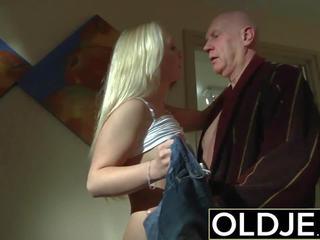 Arrapato mattino sesso vecchio giovane porno fidanzata gets scopata