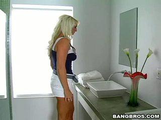 Sexy sexy hoer abby rode teasing haar man voor sommige hawt fuckin actionion indoor