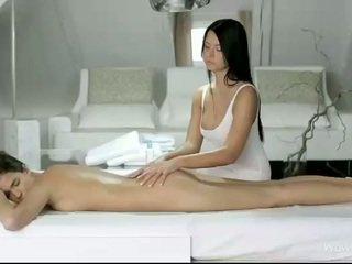 Silvie e addison massagem cada bichanos