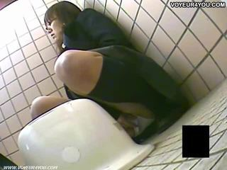 秘密 トイレ camera 盗撮 女の子 masturbation