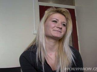 امرأة سمراء, سخونة الجنس عن طريق الفم, معظم الجنس المهبلي