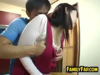 Σέξι ιαπωνικό βήμα μητέρα