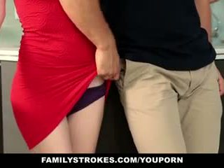 Familystrokes - pas sister sucks și fucks frate în timpul thanksgiving dinner