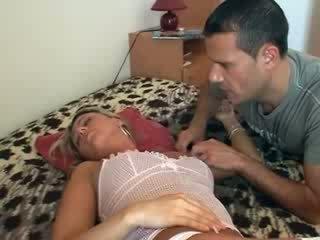 Sie gets gefickt während schlafen