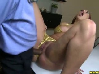 Kelly divine fucks di bikini