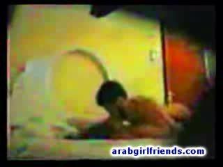 Arab thug hides til tape hans frekk intercourse med hot kjæreste