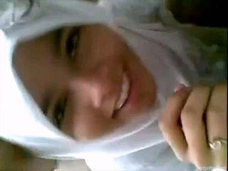 Bukuroshe indoneziane vajzë gives marrjenëgojë
