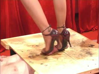 Shoejob laba cu piciorul