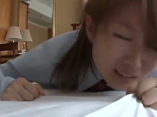 Aasialaiset Koulutyttö