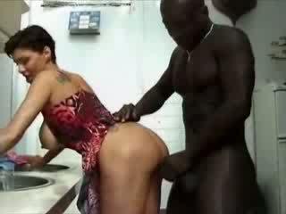 ผู้หญิงไซส์ใหญ่ france แม่บ้าน haviing เพศ ด้วย แอฟริกัน ควย วีดีโอ