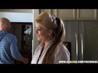 Kikkis blond beauty seduces a virgin