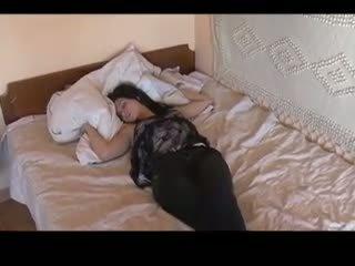 Paras of nukkuva tytöt