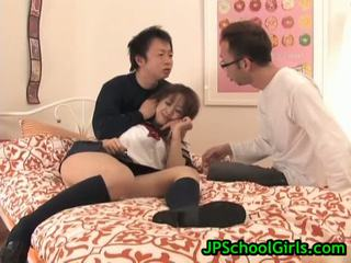 Asiatique écolière virgin chatte
