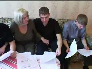אנמא ו - שלוש sons חם משפחה סקס אורגיה