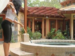 Aaliyah любов прецака от lotus lain s strap на