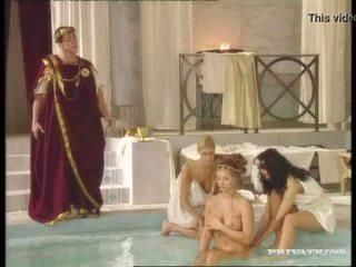 Juodas widow katalin ir rita faltoyano bathe kartu prieš a nuleidimas ant veido