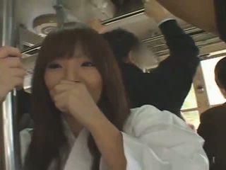 Bystiga japanska flicka hitomi tanaka banged i offentlig